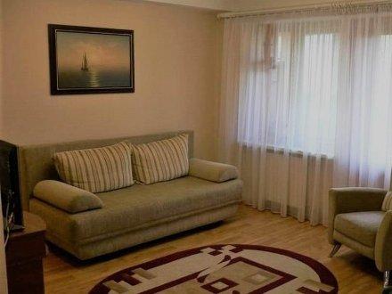 Сдам на длительный срок однокомнатную квартиру на 3-м этаже 22-этажного дома площадью 41 кв. м. в Хабаровске