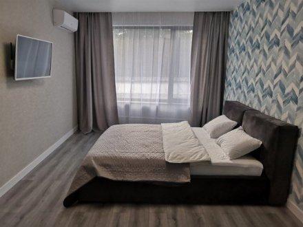 Сдам посуточно однокомнатную квартиру на 6-м этаже 9-этажного дома площадью 42 кв. м. в Владивостоке