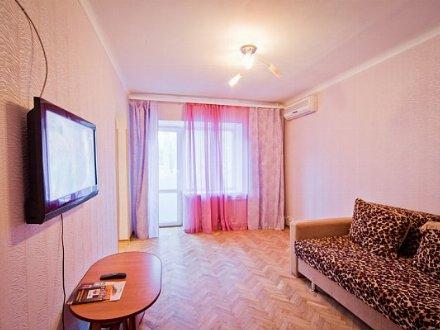 Сдам на длительный срок однокомнатную квартиру на 2-м этаже 5-этажного дома площадью 31 кв. м. в Биробиджане