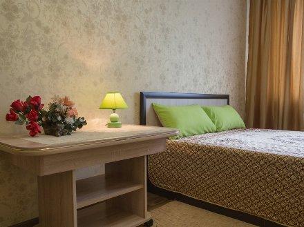 Сдам на длительный срок однокомнатную квартиру на 3-м этаже 9-этажного дома площадью 65 кв. м. в Благовещенске