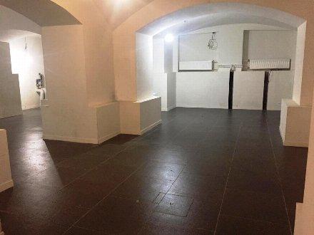 Сдам торговое помещение площадью 82 кв. м. в Санкт-Петербурге