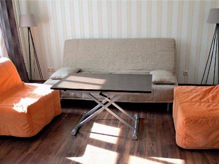 Продам двухкомнатную квартиру на 4-м этаже 4-этажного дома площадью 62 кв. м. в Санкт-Петербурге
