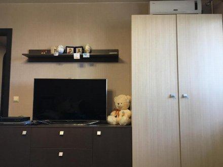 Сдам на длительный срок двухкомнатную квартиру на 4-м этаже 18-этажного дома площадью 54 кв. м. в Москве
