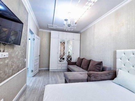 Сдам посуточно однокомнатную квартиру на 7-м этаже 9-этажного дома площадью 47 кв. м. в Благовещенске