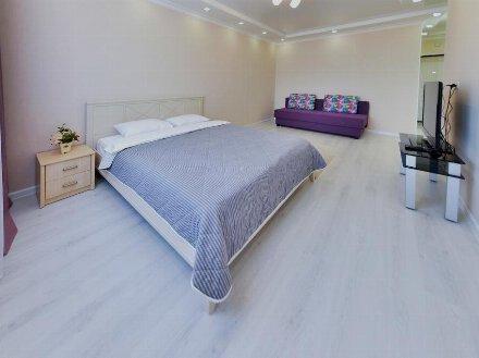 Сдам посуточно однокомнатную квартиру на 3-м этаже 5-этажного дома площадью 38 кв. м. в Благовещенске