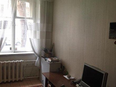 Продам студию на 1-м этаже 5-этажного дома площадью 13 кв. м. в Москве